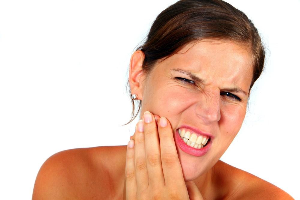 Dấu hiệu và triệu chứng mọc răng khôn ở người lớn