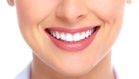 Làm răng sứ thẩm mỹ