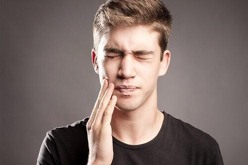 Mọc răng khôn nên uống thuốc gì?