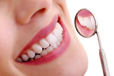 Dịch vụ trồng răng sứ thẩm mỹ ở đâu tốt tại tphcm?
