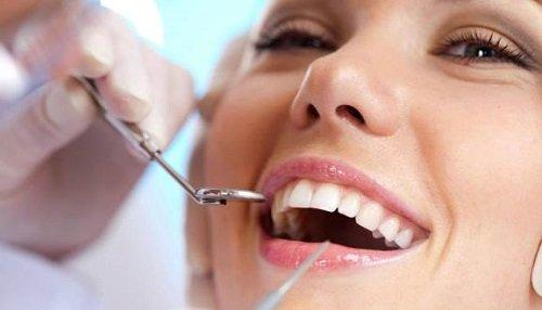 Tẩy trắng răng bằng dầu dừa hiệu quả an toàn 3