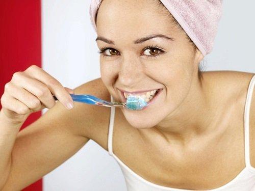 Răng sứ có bị sâu không? Khái quát ưu và nhược điểm răng sứ-4