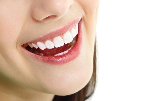 Răng sứ gây hôi miệng sau khi bọc là do đâu? 2