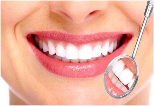 Lắp răng sứ bị sưng lợi - Cách khắc phục hiệu quả 1